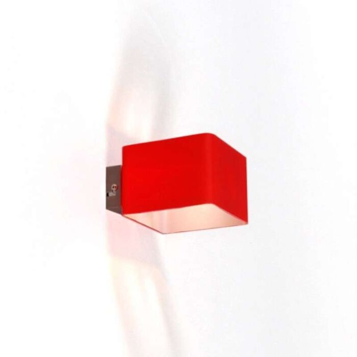 Wall-lamp-Nova-Red