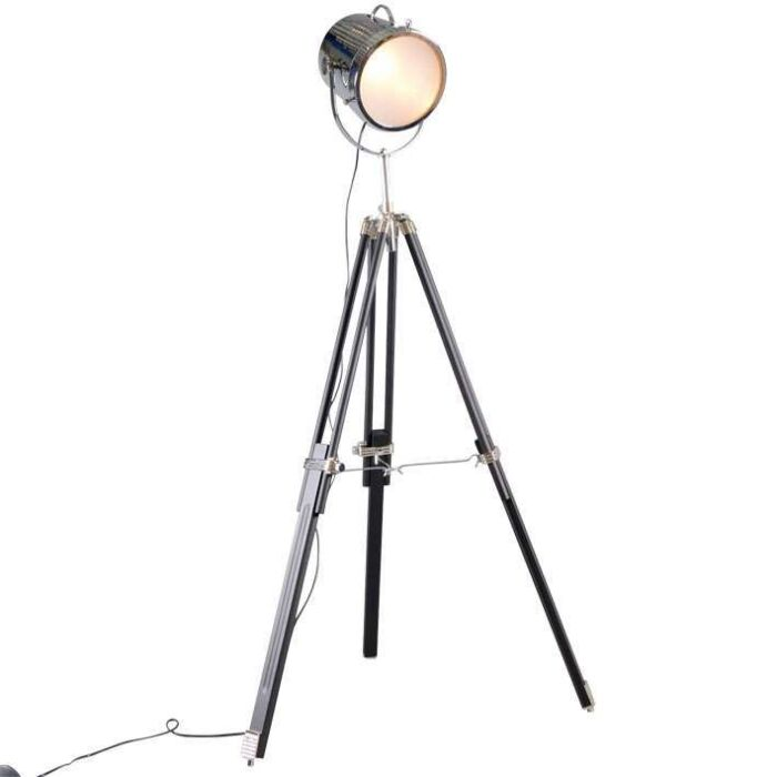 Floor-Lamp-Tripod-Bucket