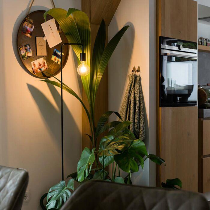 Modern-black-floor-lamp---Facil
